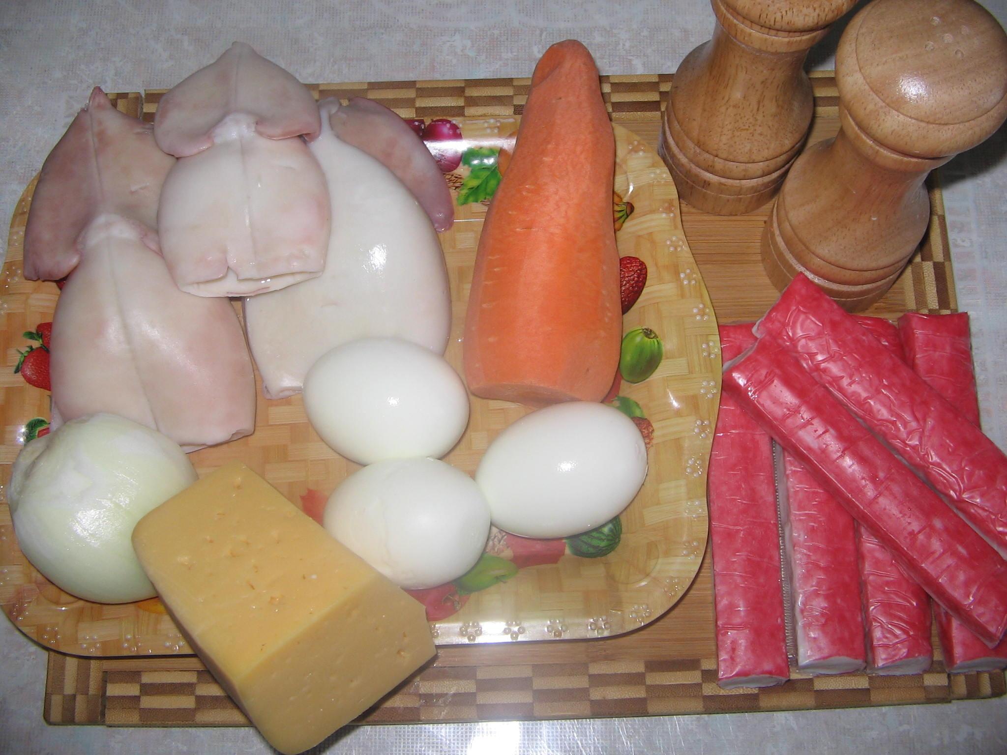 Салат кальмары яйцо и крабовые палочки 96