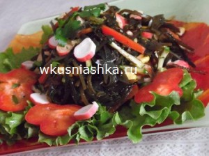 salat-iz-morscoy-kapustyi-s-krabovyimi palochkami