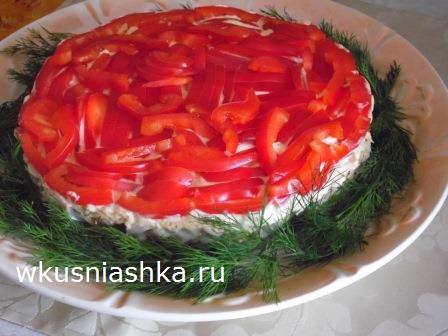 салат в виде елочной игрушки